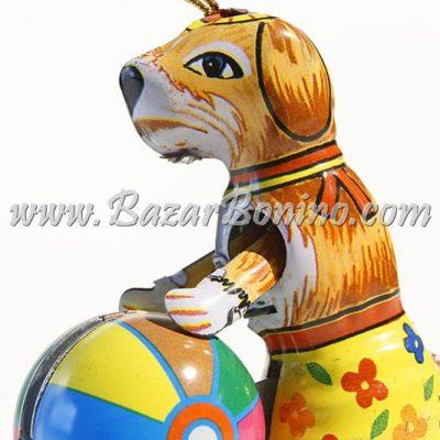 AS0470 - Cane con Palla Decorativo in Latta